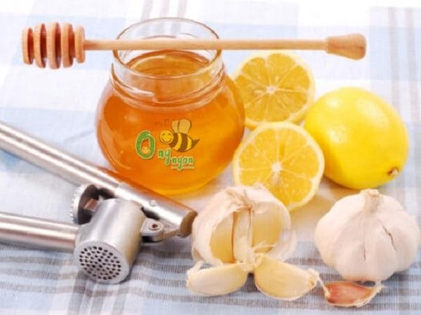 Cách chữa ho cho bé từ mật ong