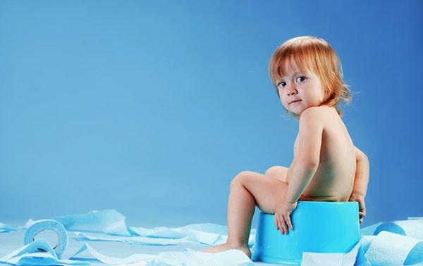 Nguyên nhân và dấu hiệu trẻ sơ sinh bị tiêu chảy