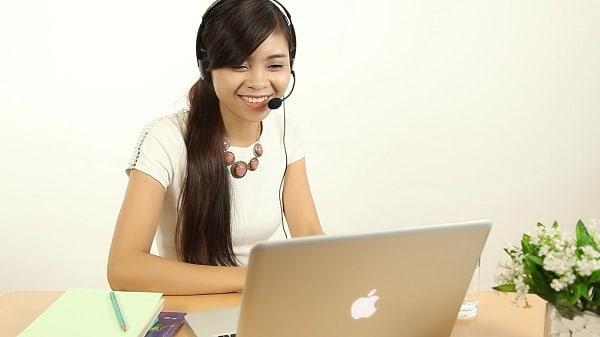 Bạn có thể lựa chọn học Tiếng Anh online để tiết kiệm thời gian đi lại