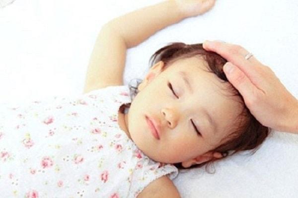 Cần có chế độ dinh dưỡng hợp lý cho trẻ
