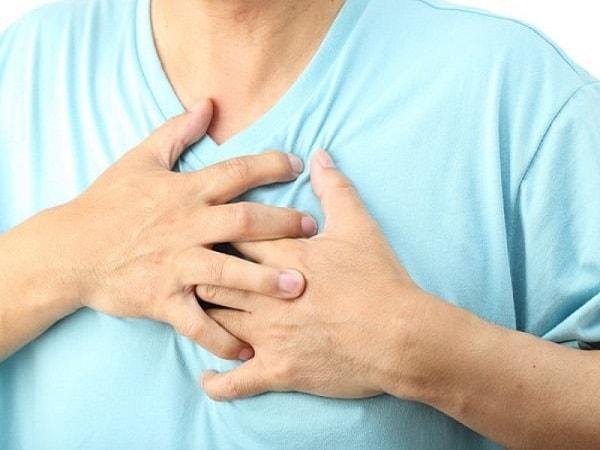 Thường xuyên bị đánh trống ngực sau khi ăn là biểu hiện của bệnh gì? 1
