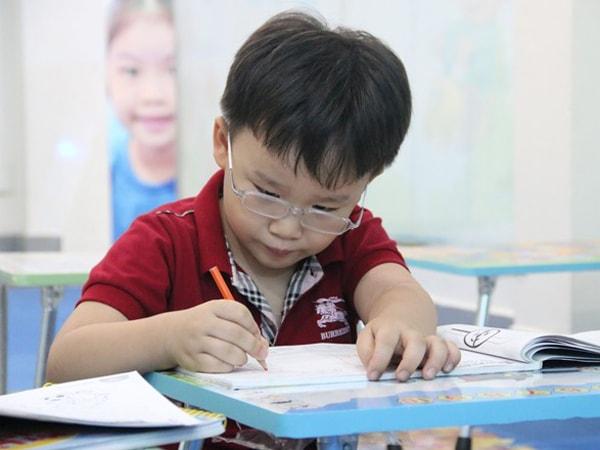 Dạy trẻ hoàn thành công việc được giao là một kỹ năng cần thiết