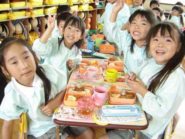 Cần cho bé biết các thức ăn an toàn và không an toàn
