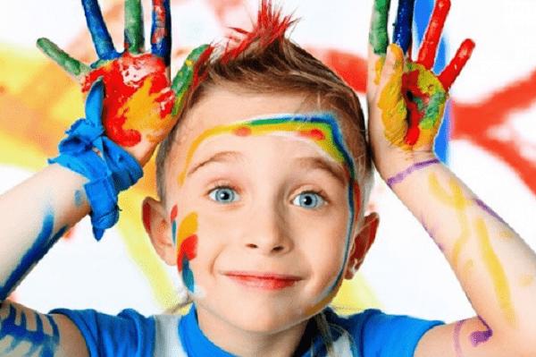 Trẻ ham chơi khiến chúng học mãi không vào