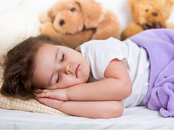 Các dấu hiệu bất thường khi trẻ ngủ li bì và khó đánh thức