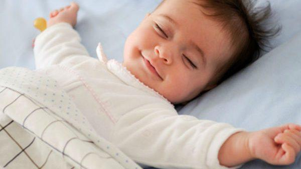 9 tips hay giúp trẻ sơ sinh hết vặn mình, ngủ ngon giấc
