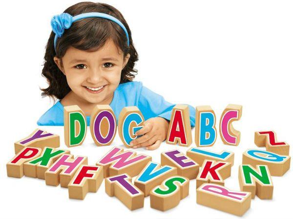 Cho trẻ làm quen với bảng chữ cái