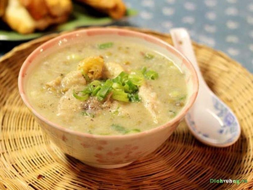 Cháo cá thu rau mồng tây thơm ngon