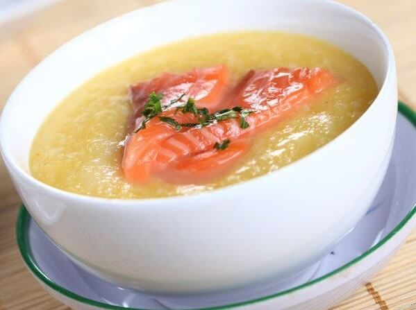 Món cháo cá hồi khoai lang cực bổ dưỡng cho trẻ