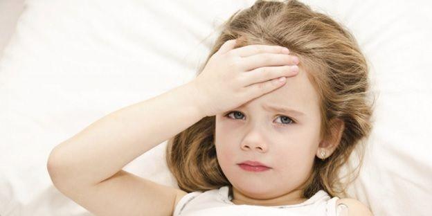 Cần làm gì khi trẻ bị sốt siêu vi