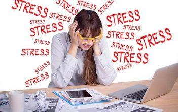 bị stress có nổi mụn không 2