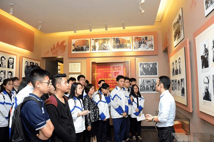 Tìm hiểu lịch sử bằng việc tham quan viện bảo tàng là ý kiến hay