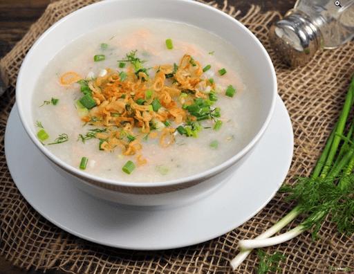 Món cháo tôm nấu rau chân vịt