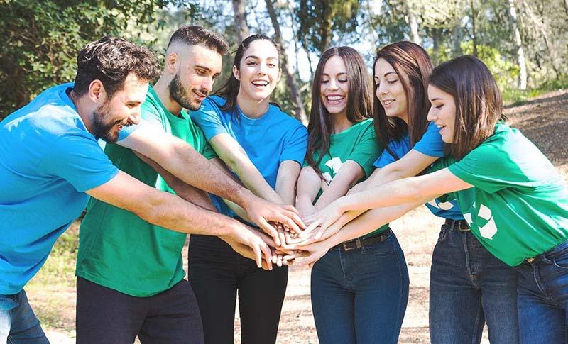 Team Building giúp cho các thành viên hiểu và phối hợp hành động với nhau tốt hơn